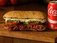 Combo - Sándwich de carne mechada italiano + bebida en lata grande