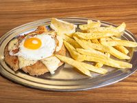 Menú económico - Suprema de pollo a la suiza con papas fritas + pan + postre