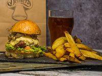 Combo - Hamburguesa Poderosa + papas rústicas  + salsa BBQ