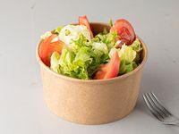 Ensalada mixta de lechuga y tomate