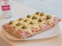 Pizzetas con jamón y muzzarella x 12
