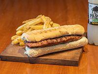 Combo - Sándwich de bife de chorizo + papas + bebida individual 500 ml
