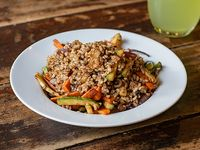 Wok de vegetales con arroz yamaní integral (vegano)