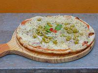 Pizza fugazzeta con jamón grande