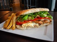 Sándwich de pollo grill