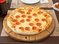 Combo familiar - Pizza familiar (35 cm) + Coixinha (6 unidades) + Bebida 1.5 L
