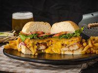 Grilled Chicken Champ Sándwich