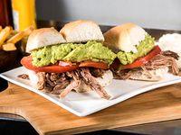 Promo - Sándwich de carne mechada italiana + bebida lata 350 ml