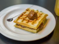 Waffle de dulce de leche y miel