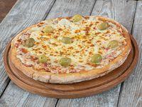 Pizza mozzarella con aceitunas