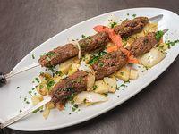 Shish kebab de cordero molido