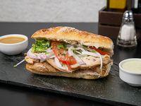 Sándwich de pollo asado + bebida de 250ml