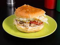 Sándwich churrasco lomito completo