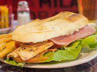 Sándwich de pechuguita completo