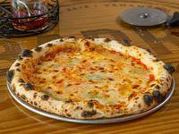 Pizza cuatro esquinas