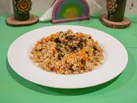 Wok con arroz yamaní