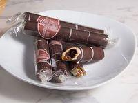 Barquillo de chocolate relleno de manjar