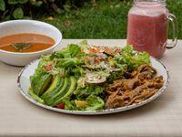 Ensalada Carne desmechada + Sopa + Jugo
