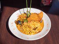 Spaghettis con frutos del mar