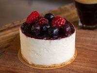 Torta cheesecake con frutos rojos (mediana)