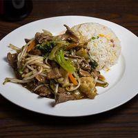 Chapsui de carne con arroz chaufan
