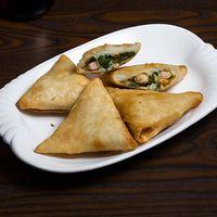 Empanaditas de camarón mandarín y cebollín