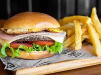 Combo mundial - Hamburguesa de 130 g de carne + papas fritas
