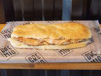 Sándwich de pollo solo