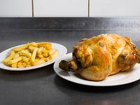 Promo 1 - Pollo entero asado + papas fritas (350 g) + bebida 1.5 L
