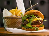 Al Ron Abuelo burger