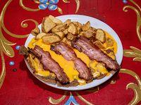 Milanesa con cheddar y bacon con guarnición
