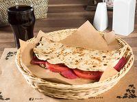 Combo 3 - Piadina con salame, queso mozzarella, tomates + bebida