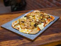 PIzza con queso azul, peras y nuez
