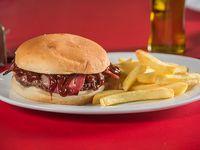 Promoción - Hamburguesa Bacon + papas fritas + cerveza Cristal en lata de 350 ml