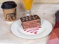 Desayuno - Café + pastel panqueque + jugo