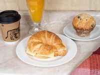 Desayuno - Café + croissant + muffin + Jugo