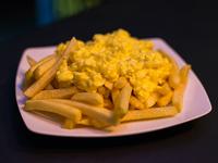 Papas fritas grandes con huevo