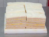 50 sándwiches triples surtidos tradicionales