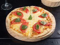 Promo 4 - pizzeta con 2 gustos + refresco 1.5 L