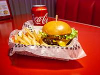 Sándwich de burger casera tranqui + papas fritas