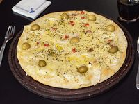 Pizza fugazza grande