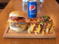 Combo - Hamburguesa cheese & bacon + papas fritas chicas + gaseosa línea Pepsi 330 ml