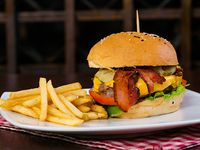 Hamburguesa Brasero con queso con paps fritas y bebida 355 ml
