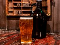 Growler vidrio incluido cerveza de 2 L