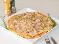 Pizzeta con muzzarella, aceitunas y panceta (30 cm)