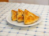Docena de empanadas árabes