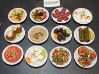 Picada armenia completa (comen dos, pican cuatro)