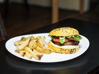 Nairobi burger con papas fritas