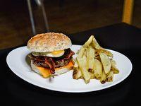 Berlín burger con papas fritas