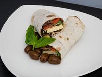 Wrap mediterráneo con  papas rústicas